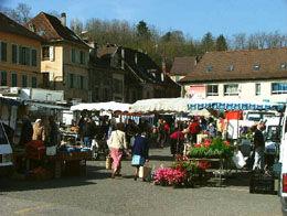 Marché hebdomadaire - Pont de Beauvoisin