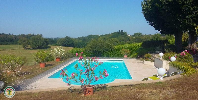 La piscine 10x5m avec fosse à plonger de 1,8o m
