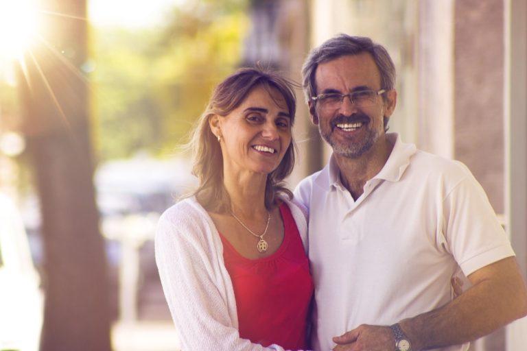 couple-2070065_1920